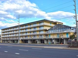 Waves 304 Condominium