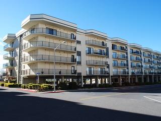 Royal Hawaiian 217 Condominium