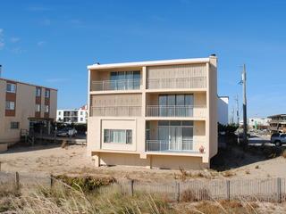 Oasis North 2-N Condominium