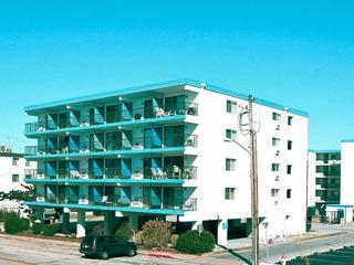 Top Royal 404-S Condominium
