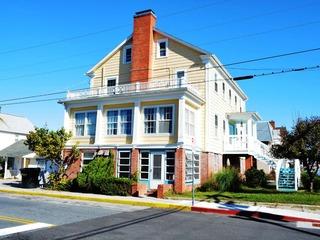 Summer Roost 100 Condominium