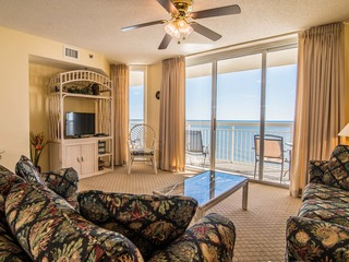 Crescent Shores, Two-Bedroom Apartment with Sea View