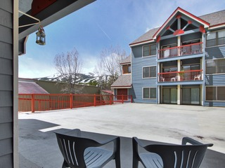 Ideal Locale Steps to Mountain & Main St- 1Br+Loft, Sleeps 6