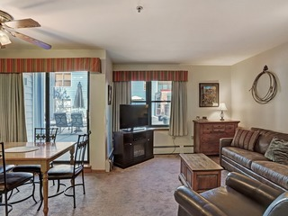 1Br Cozy Winter Hideway- Walk to Apres, Shops, Fun- Sleeps 6