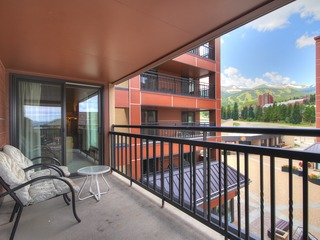 Warm 1Br Slopeside Escape- Steps to Main St + Winter Fun!