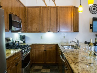 2Br/2Ba: Overwhelming Charm, Overlooking the Village!