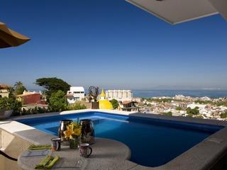 CASA CELESTE- Elegant studio penthouse, pool