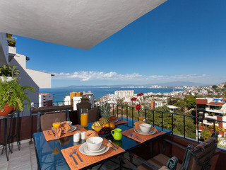 CASA ESPERANZA- 3 bedroom condo with views.