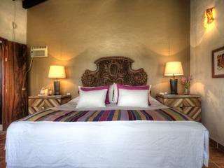 LA PANGA- Studio with a king and a twin bed, pool
