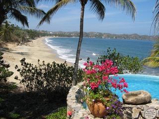CASA KESTOS- Beachfront Estate, pool, views