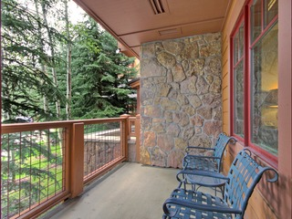 Refined Condo with Sunny Views 2 Blocks to Downtown Breck