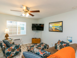 2BR Winter Retreat, Near Downtown & Beach