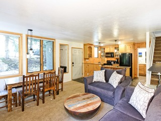 Updated 2BR, Steps to Ski Slopes