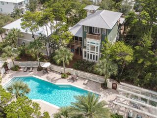 Luxe 4BR/6.5BA w/ Heated Pool- 3 Miles to Seaside