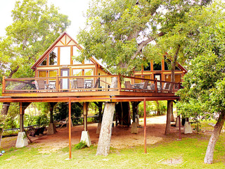 Geronimo Creek Retreat- Treehouse Cabin