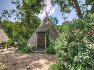 Geronimo Creek Retreat- Teepee 0 Bird Sings