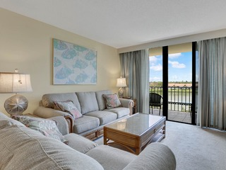 Indian Shores 2BR w/ Pool, Across From Beach