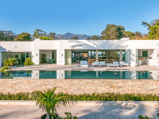 2BR Villa w/ Infinity Pool, On Butterfly Beach