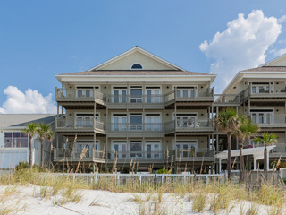 4BR Condo w/ Panoramic Gulf Views