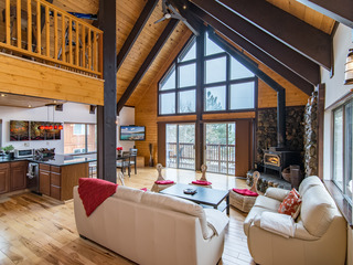 Modern Luxury 3BR Upscale Redesign at Tahoe Donner