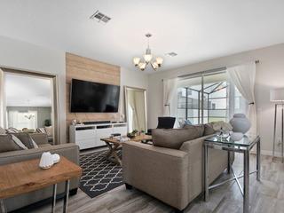 Luxury 6 bedroom home- Storey Lake