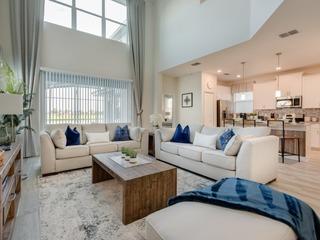 Stunning 5 bedroom home at Storey Lake