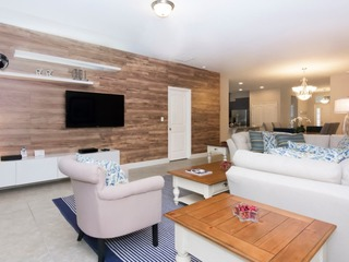 Spacious and Gorgeous Home ST5148