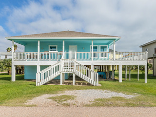 Gulf Views 3BR Near Jamaica Beach