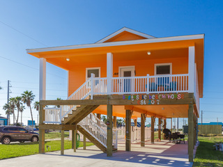"""Bugtussle Beach House"" Brand-New 3BR w/ Private Pool"