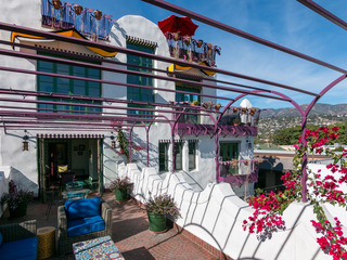 Stunning 3BR Green Cabana w/ Deck