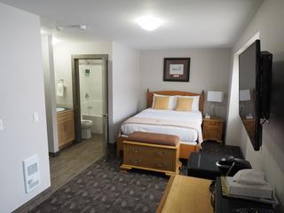 Apex Lodge Standard Room- 7
