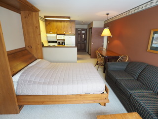Apex Mountain Inn 1 BDRM Suite 211-212