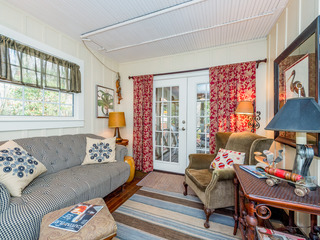 Updated 2BR Home w/ Screened Porch