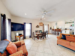 3BR with NEW POOL on Mobile Bay, 1 Block to Beach