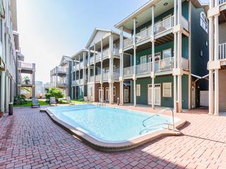 4BR w/ Guest Suite & Pool Access