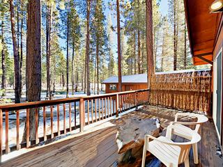 2BR Cabin w/ BBQ Deck- Near Skiing
