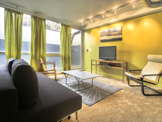 1123 Northwest Apartment #1016