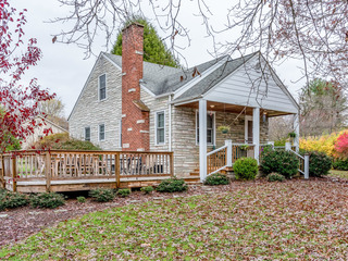 Charming, Restored 5BR Homestead