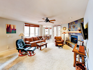2BR w/ Shared Pool, Steps to Slopes