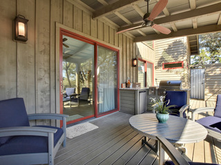 2BR Reserve at Lake Travis Cabin