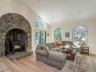 Large 5BR Renovated Tahoe Donner