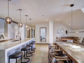 Exuberant 4 Br Luxury Ritz-Carlton Condo with Mountain View