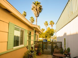 745 1/2 San Fernando Apartment #1093519