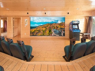Home Theater Lodge