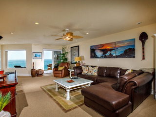 2 BR Oceanfront SONG8- RELAX IN THIS BEAUTIFUL CONDO!