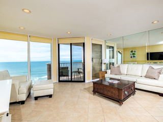 Oceanfront Living at it's Best! TOP FLOOR 1 BR DMST32