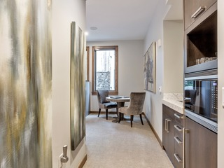 Stunning 3Br/3.5Ba Condo with Beautiful Appliances