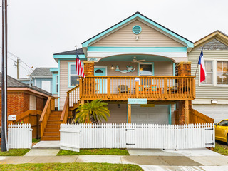 2626 Avenue Q Home at Galveston