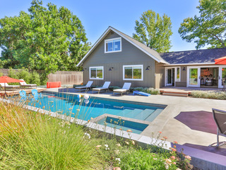 Modern Retreat- 4BR w/ Private Pool & Hot Tub