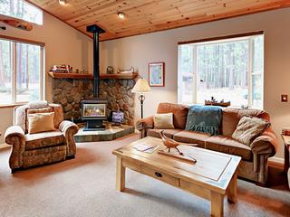 Sweet Bijou 4BR Home w/ Deck